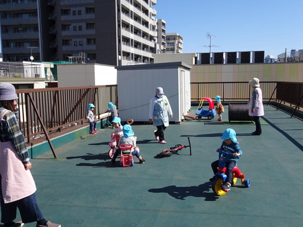 子どもセンター屋上運動場